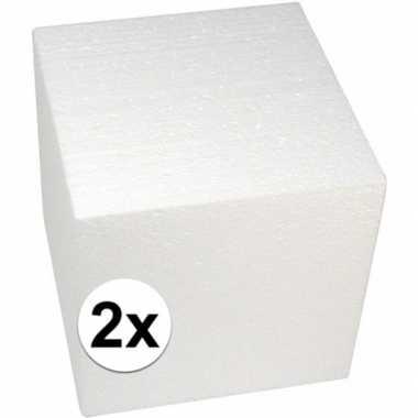2x piepschuim kubussen 20 cm