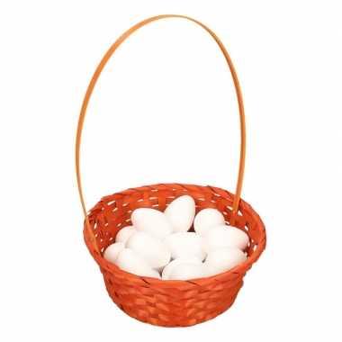 Oranje paasmandje met witte piepschuim eieren 23cm